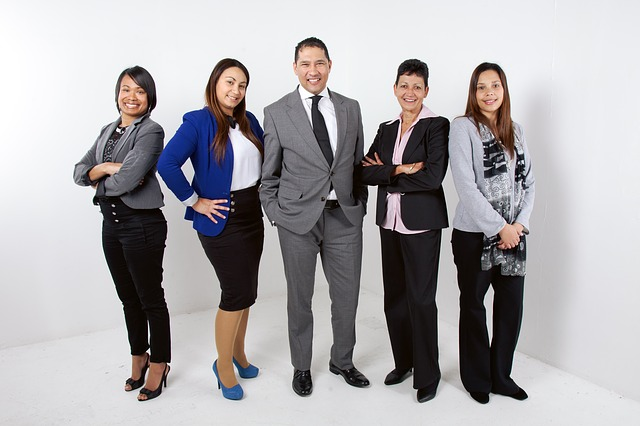 muž a 4 ženy