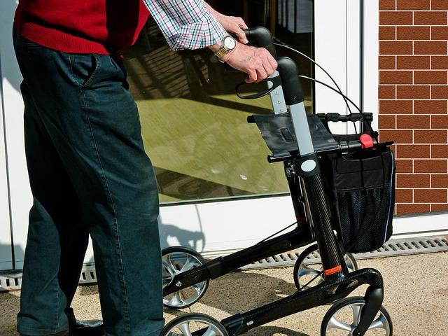 vozík pro seniory